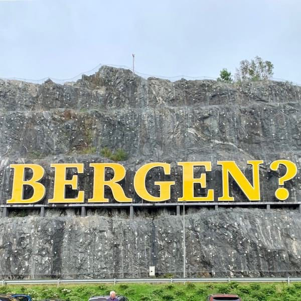 Sign outside Flesland that reads: Bergen?